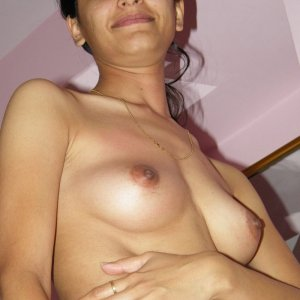 Indian mother shows you her hot boobs